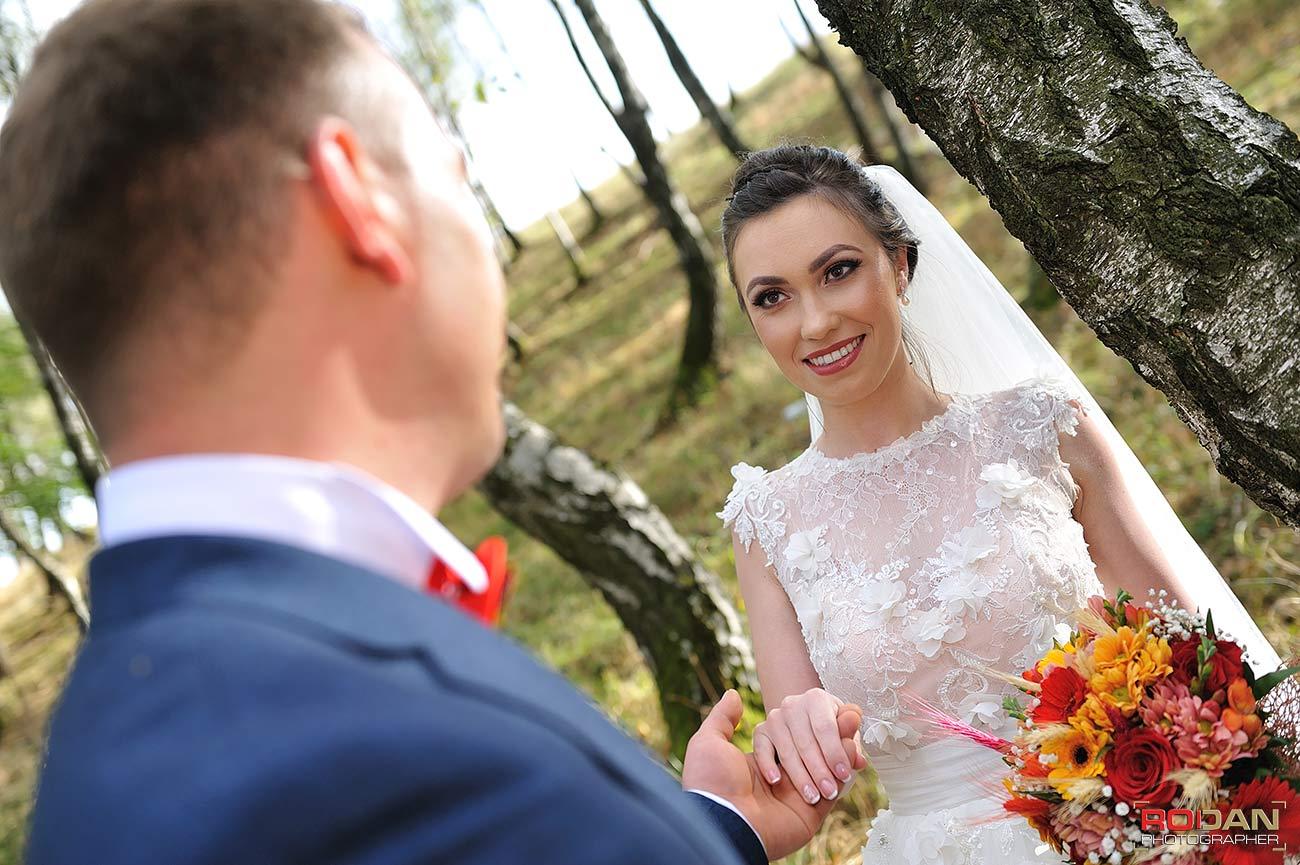 fotograf, cameraman, videograf pentru nunta Moinesti