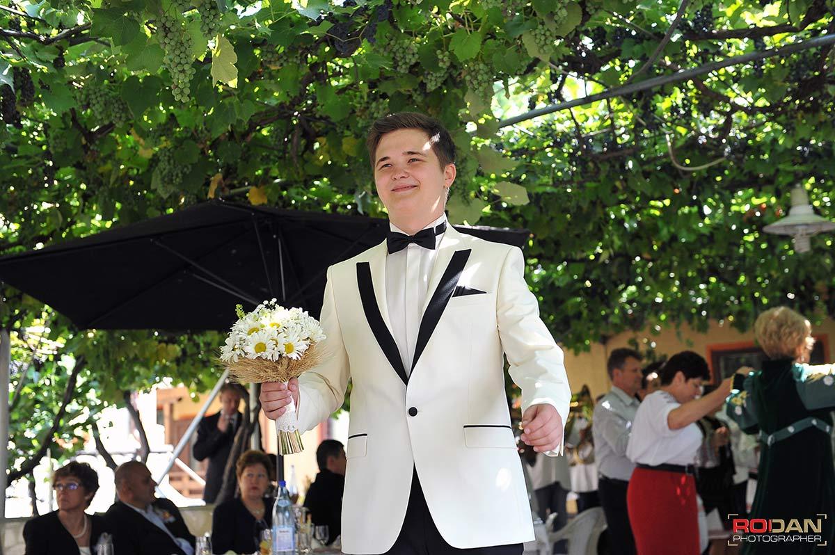 Nunta Targu Neamt, Fotograf profesionist Targu Neamt - Fotografi nunta Targu Neamt - Poze nunta la Cetatea Neamtului - sedinta foto de nunta | Fotograf nunta Targu Neamt, Nunti Targu Neamt