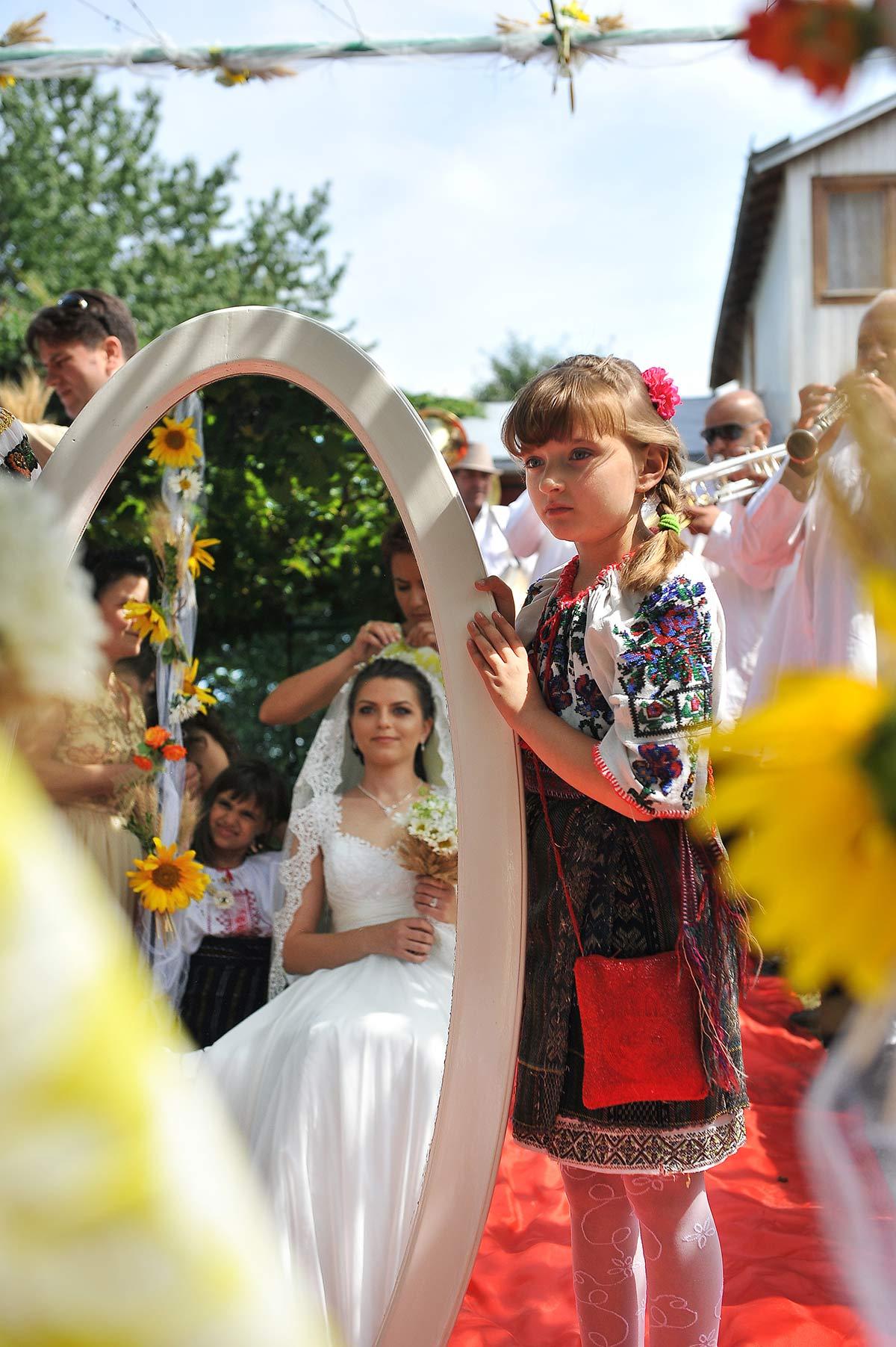 Fotografi nunta Targu Neamt, Fotograf profesionist Targu Neamt - Fotografi nunta Targu Neamt - Poze nunta la Cetatea Neamtului - sedinta foto de nunta | Fotograf nunta Targu Neamt, Nunti Targu Neamt