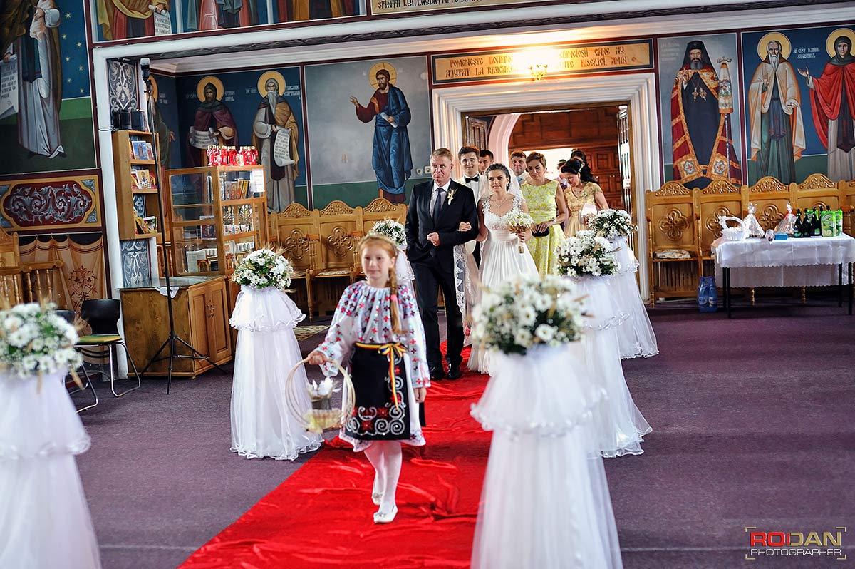 foto nunta Targu Neamt, ervicii foto-video de nunta in Targu Neamt | Nunta la Casa Arcasului | Sedinta foto la Cetatea Neamtului | Fotografii de nunta Targu Neamt | Poze nunti Targu Neamt