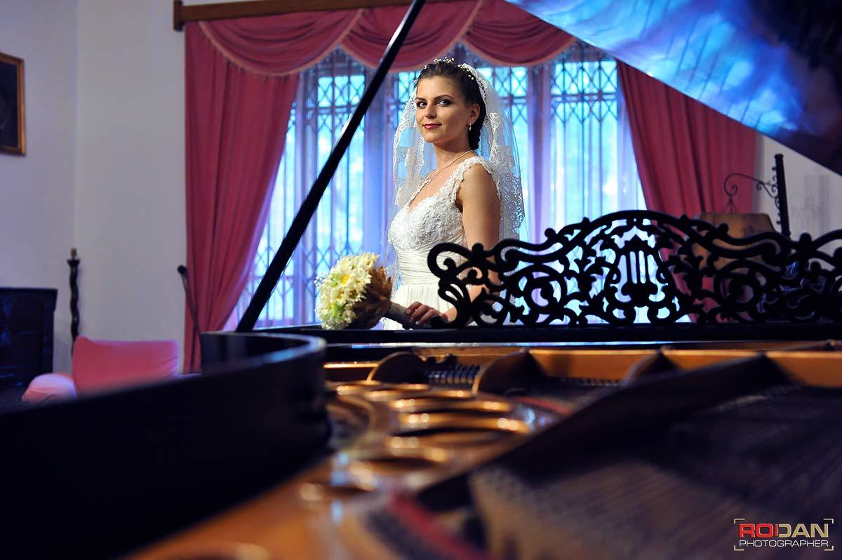Fotograf nunta Targu Neamt, Servicii foto-video in Targu Neamt | Fotografie si filmare video de nunta in Targu Neamt | Nunta la Casa Arcasului | Sedinta foto la Cetatea Neamtului