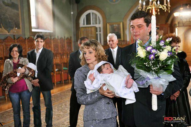 Fotograf pentru botez in Comanesti