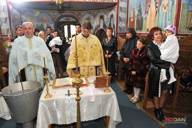 fotograf ieftin botez Comanesti