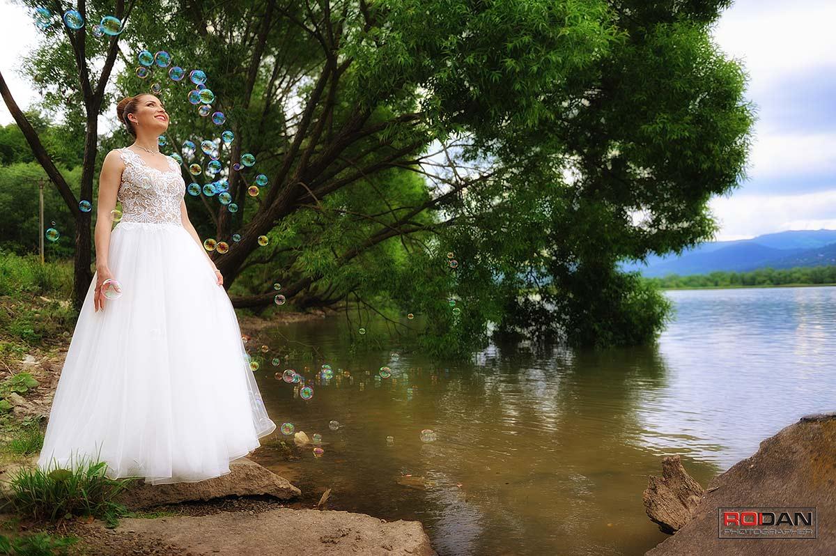 Sesiune fotografica dedicata rochiei de mireasa