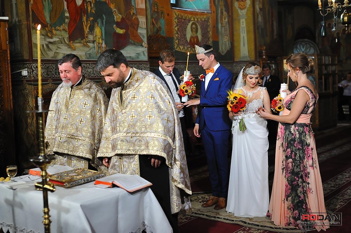 oficiere religioasa casatorie la Biserica Trei Ierarhi Piatra Neamt