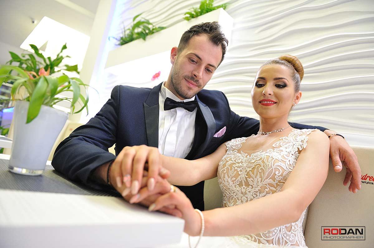 Piatra Neamt sedinta foto dupa nunta, after wed la restaurant Andreea