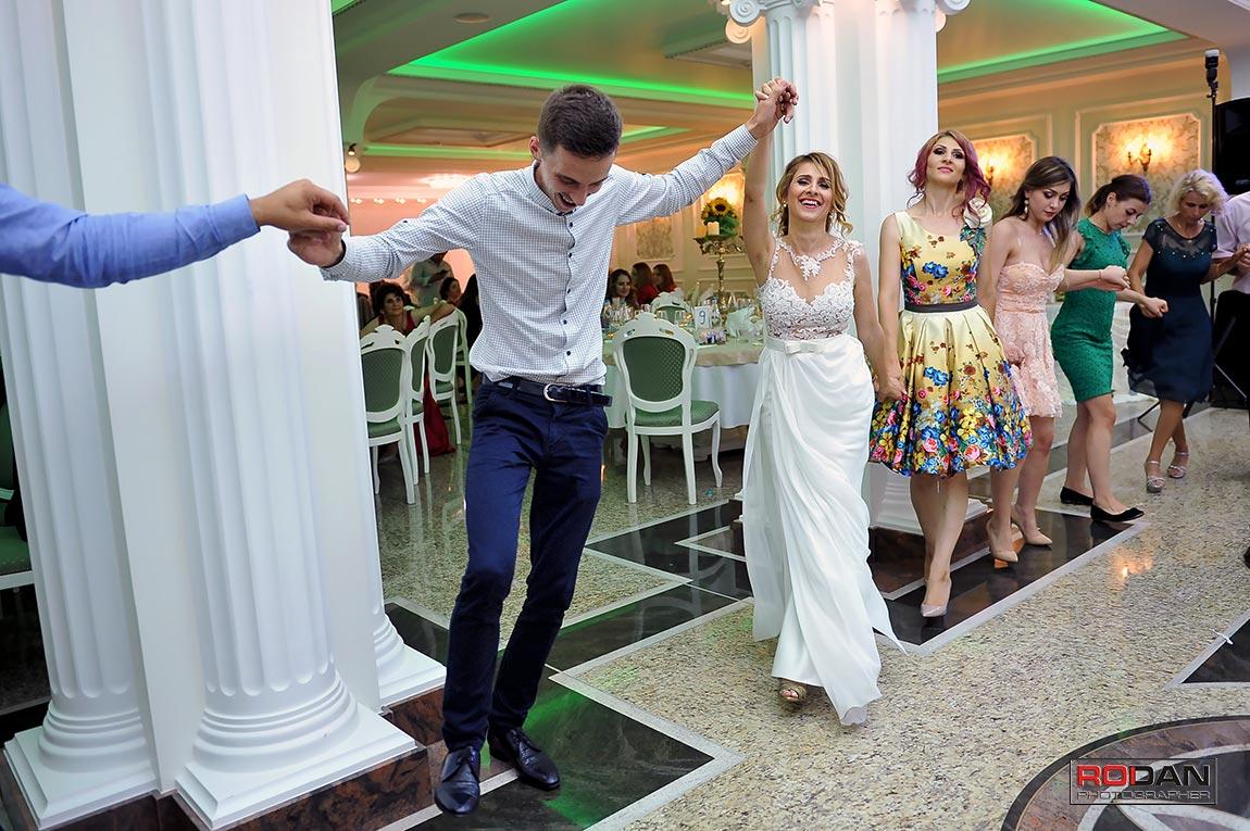 servicii foto video nunta Comanesti